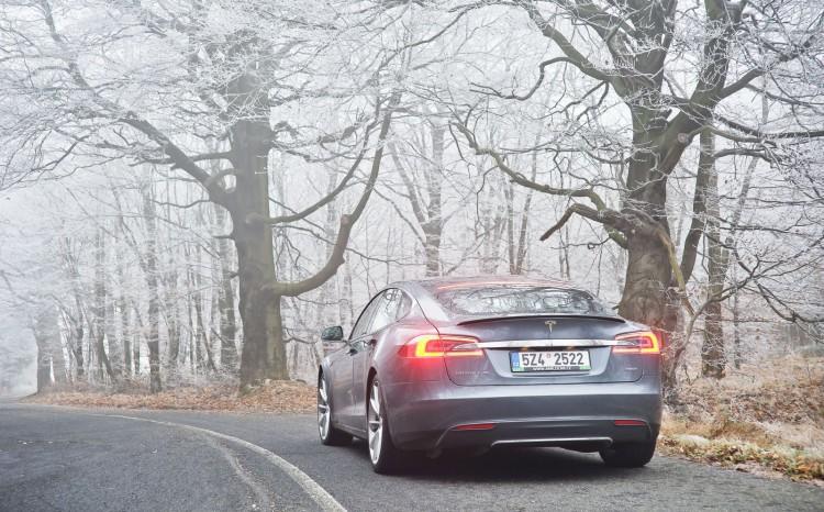 Tesla S 1