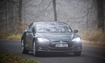 Tesla S 3