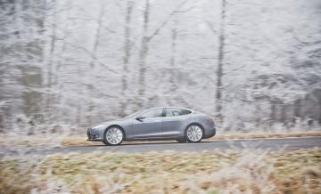 Tesla S 4
