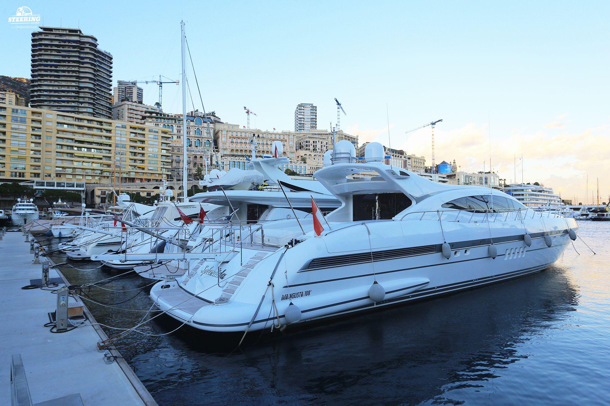 Yacht_Mangusta 108