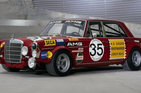 AMG Mercedes 300 SEL Rudá svině Rote Sau