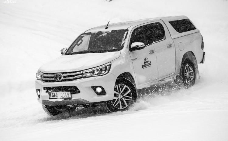 Toyota_Hilux_2017_7