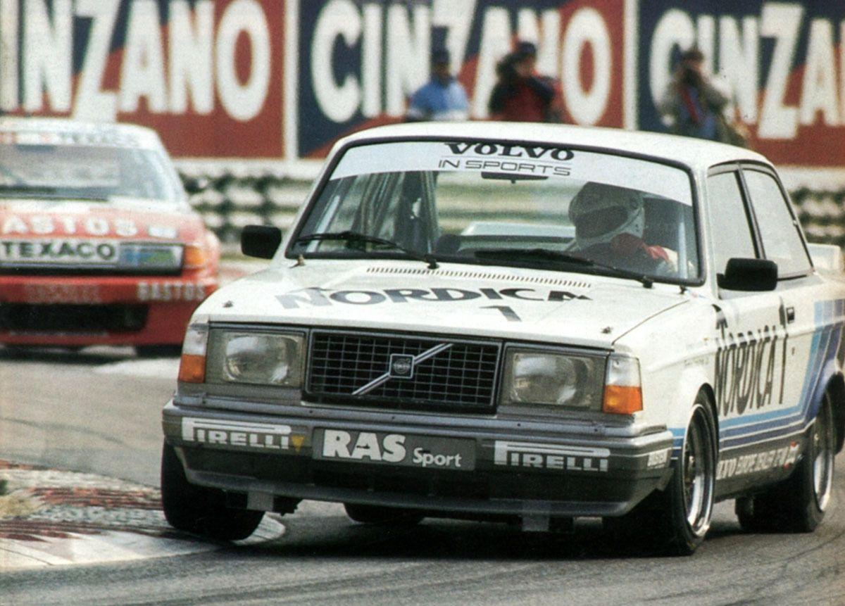 Volvo 242 racing_2