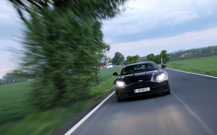 Aston_Martin_DB11 (48)