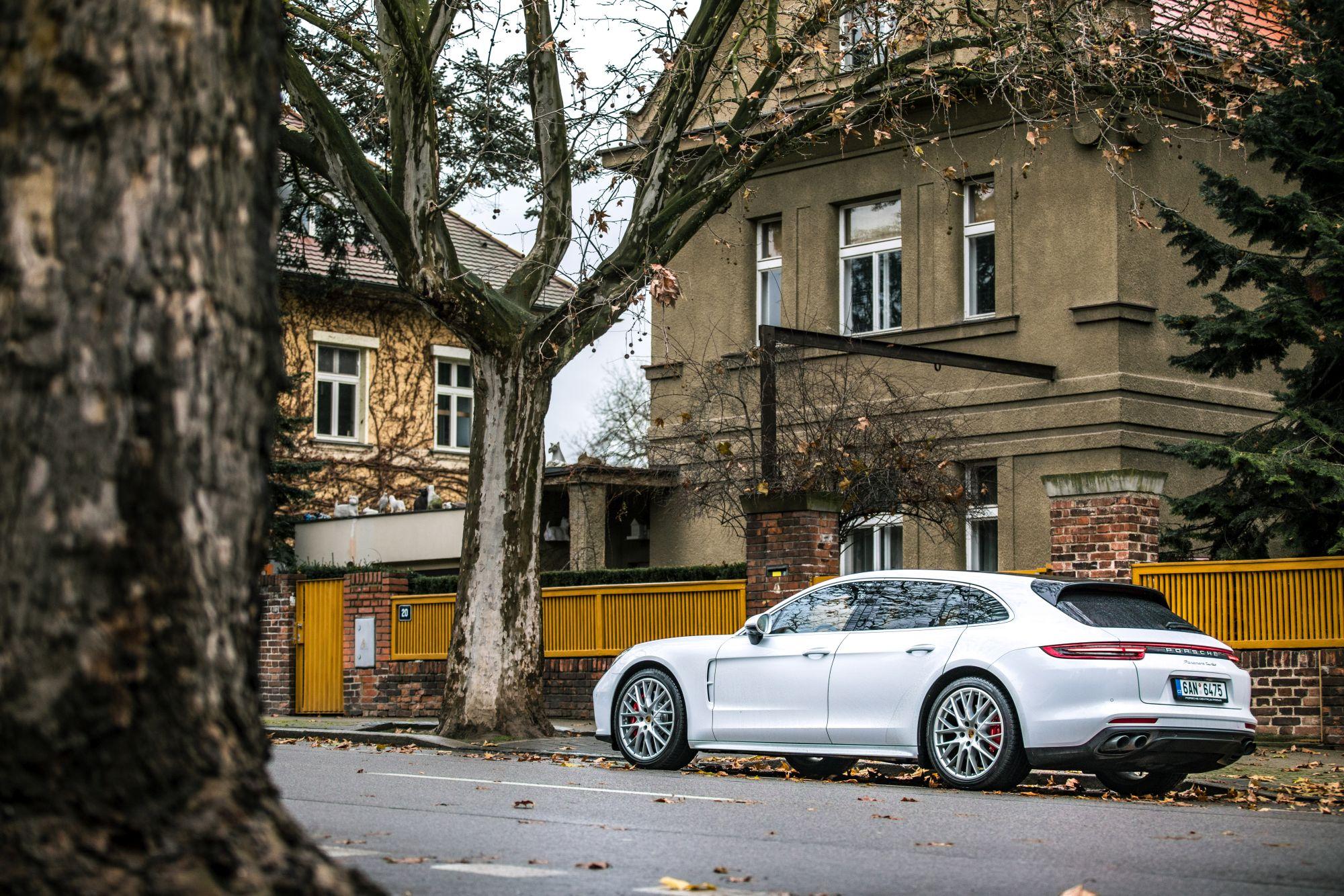 Porsche Panamera Turbo ST_11