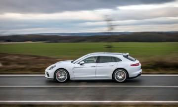 Porsche Panamera Turbo ST_13