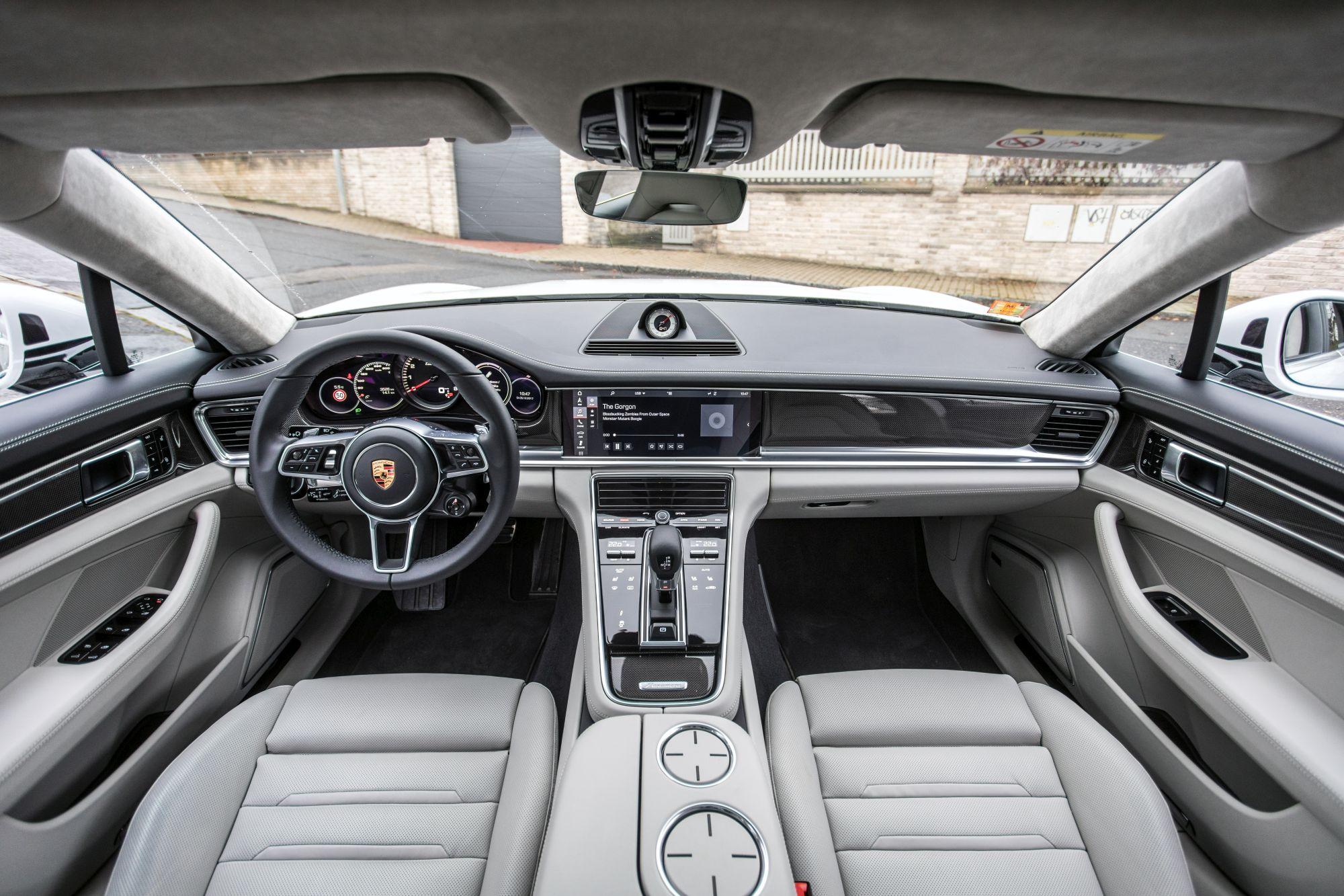 Porsche Panamera Turbo ST_5