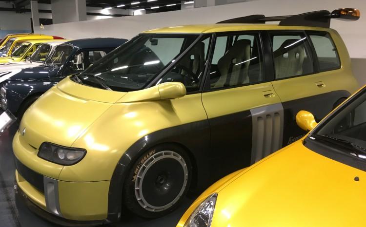 Renault_Classic_16
