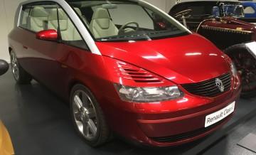 Renault_Classic_8