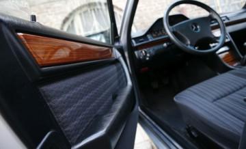 Mercedes-Benz W124_12