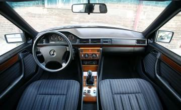 Mercedes-Benz W124_15