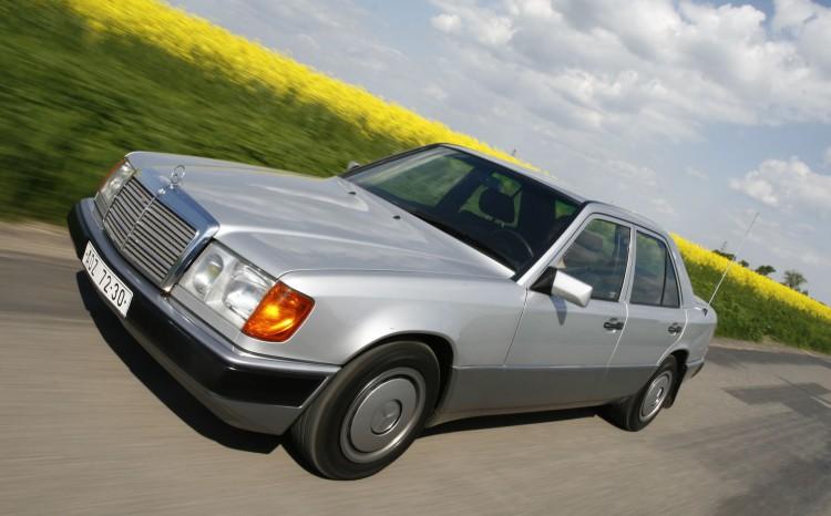 Mercedes-Benz W124_16