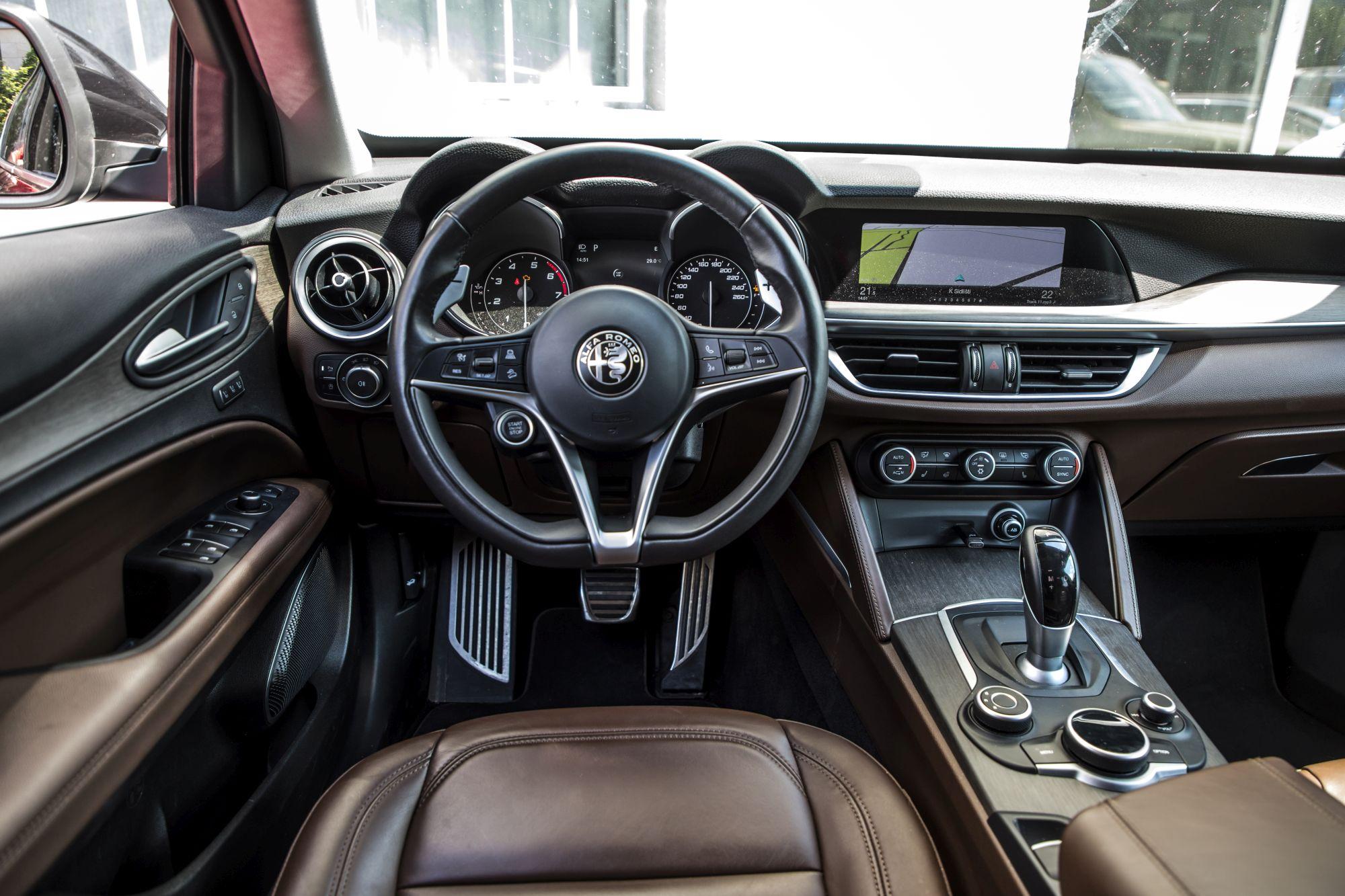 Alfa Romeo Stelvio Super_27