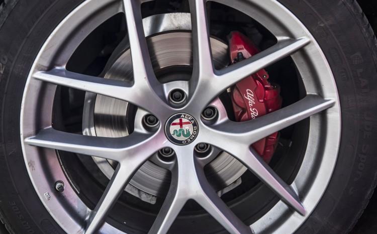 Alfa Romeo Stelvio Super_4