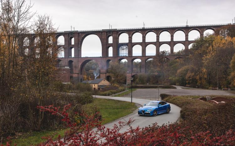 3_Alfa Romeo Qulia QV__viadukt_1