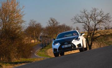 Lexus RCF TE jízda_14