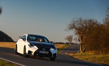 Lexus RCF TE jízda_18