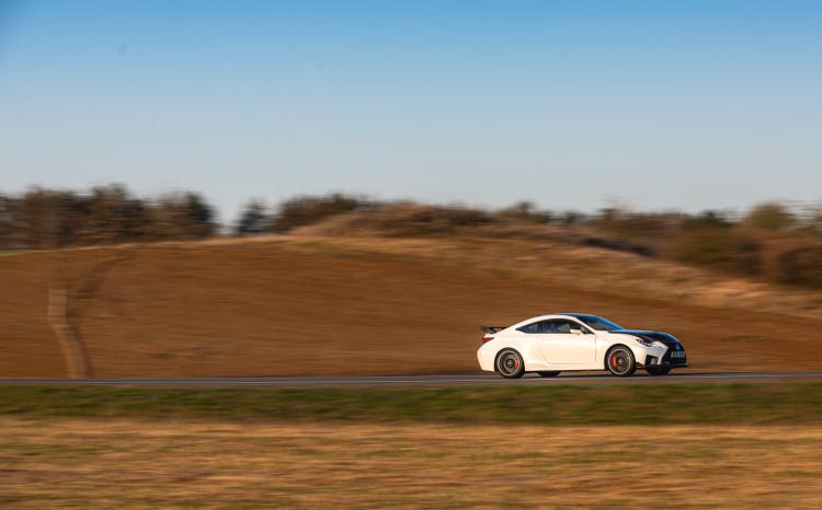 Lexus RCF TE jízda_24