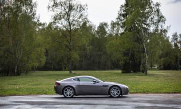Aston Martin Vantage (2)_1