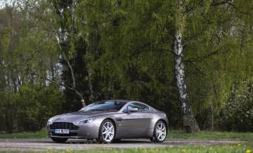 Aston Martin Vantage (2)_25