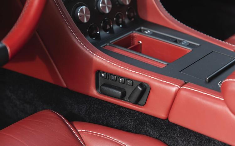 Aston Martin Vantage (2)_40