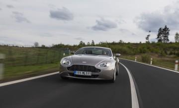 Aston Martin Vantage (2)_55