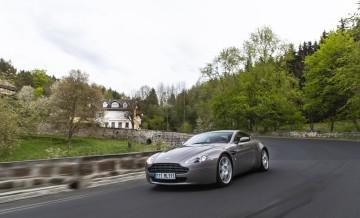 Aston Martin Vantage (2)_59