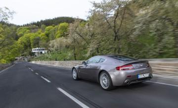 Aston Martin Vantage (2)_66