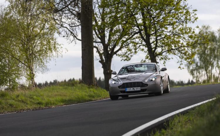 Aston Martin Vantage (2)_74