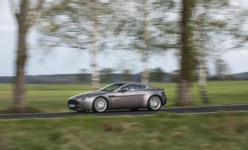 Aston Martin Vantage (2)_80