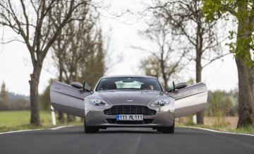 Aston Martin Vantage (2)_86