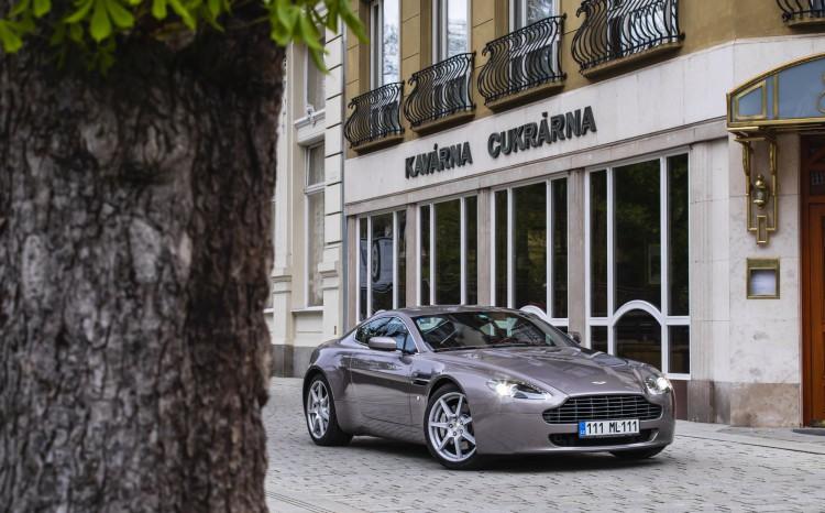 Aston Martin Vantage (2)_92