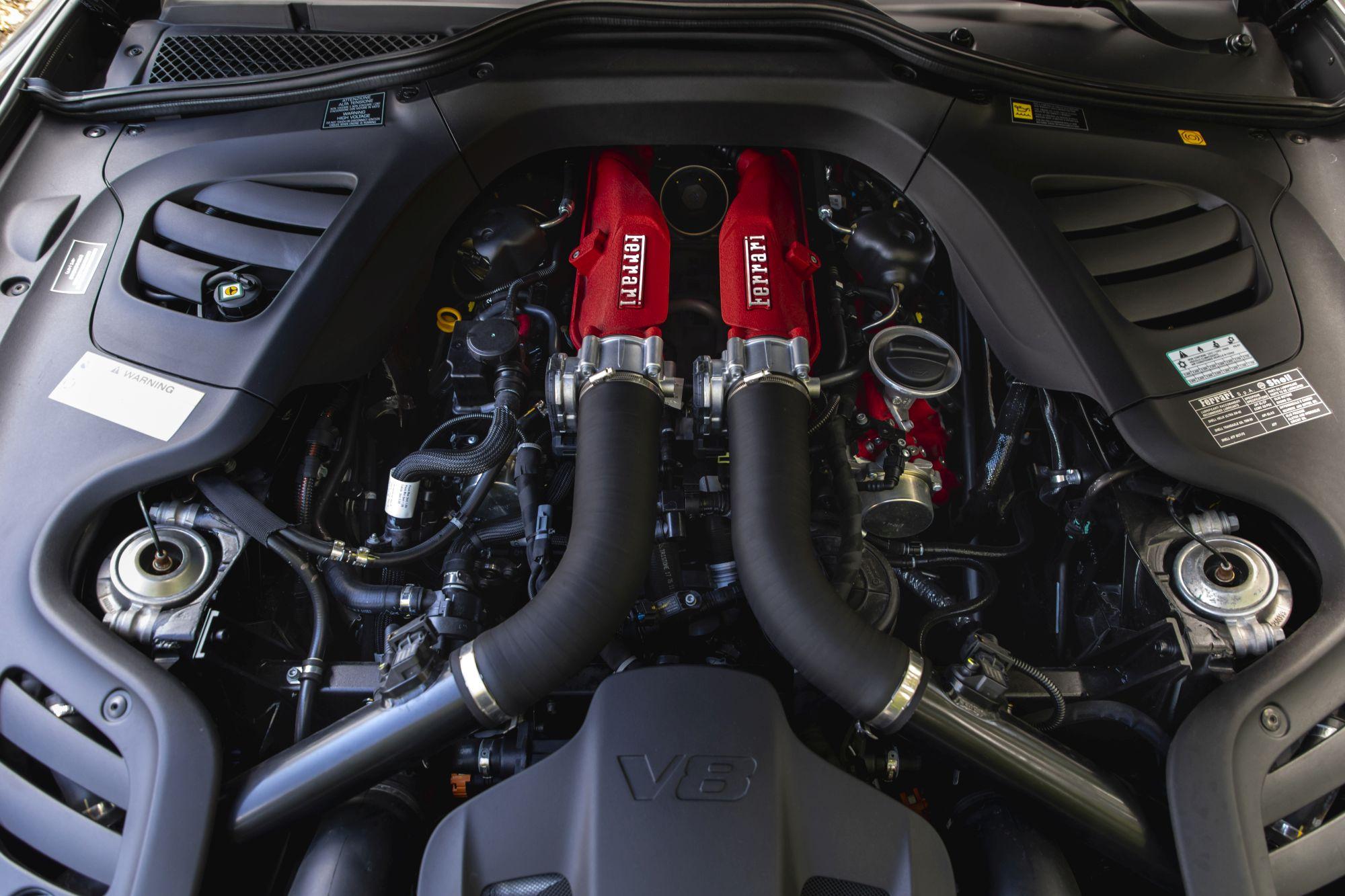 Ferrari GTC Lusso T (1)_13