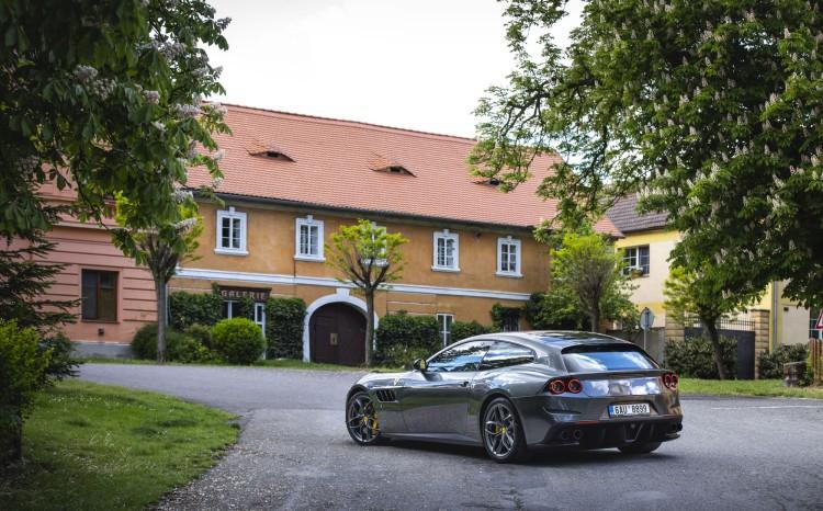 Ferrari GTC Lusso T (1)_38