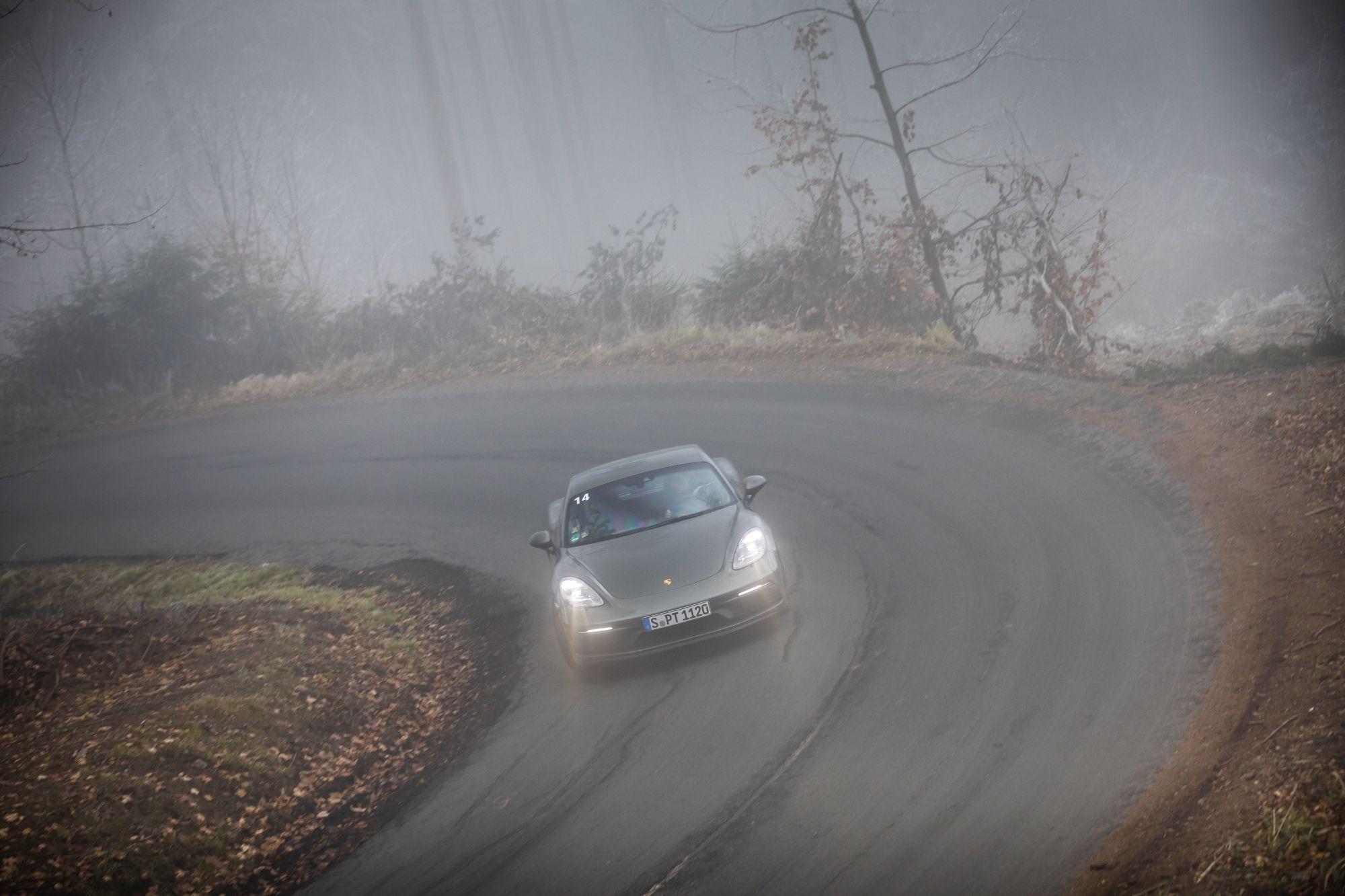 Porsche 718GTS _93