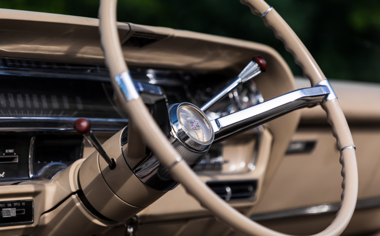 Cadillac DeVille 1964_25